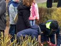 Kranzniederlegung an der Gedenkstätte in Rehmsdorf